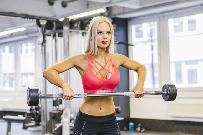 5 najlepších cvikov na biceps