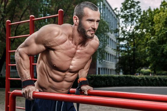 Dá sa cvičiť s vlastnou váhou a rásť?